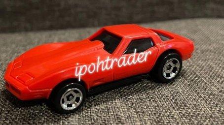 Hot-Wheels-2022-Corvette-Stingray-1976