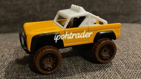 Hot-Wheels-2022-Custom-Ford-Bronco