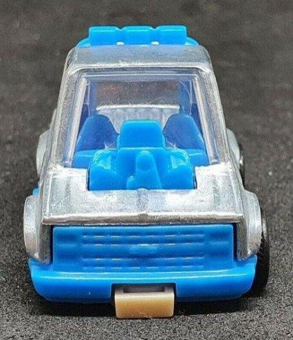 Hot-Wheels-83-Tooned-Chevy-Silverado-002