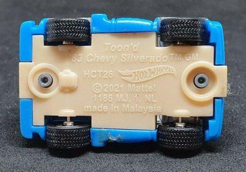 Hot-Wheels-83-Tooned-Chevy-Silverado-005