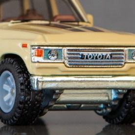 Hot-Wheels-Car-Culture-Toyota-Toyota-Landcruiser-FJ60-002