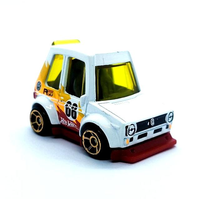Hot-Wheels-Mainline-2022-Tooned-Volkswagen-Golf-Mk1-003