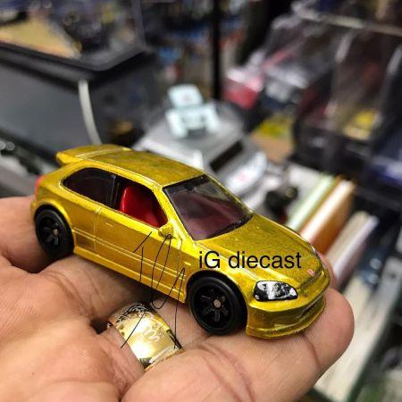 Hot-Wheels-Super-Treasure-Hunt-2022-99-Honda-Civic-Type-R-EK9-001