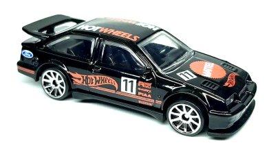 Hot-Wheels-mainline-2022-87-Ford-Sierra-Cosworth-001