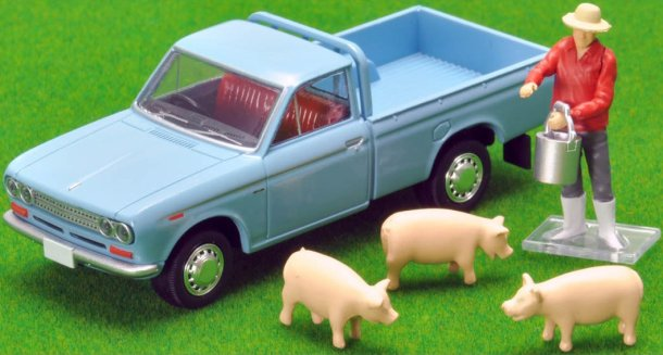 Tomica-Limited-Vintage-Neo-Datsun-Truck-1500-Deluxe-Light-Blue-005