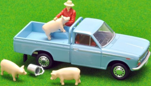 Tomica-Limited-Vintage-Neo-Datsun-Truck-1500-Deluxe-Light-Blue-007