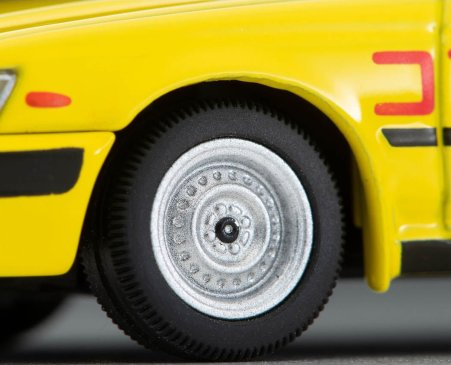 Tomica-Limited-Vintage-Neo-Nissan-Laurel-Driving-School-1992-Yellow-007