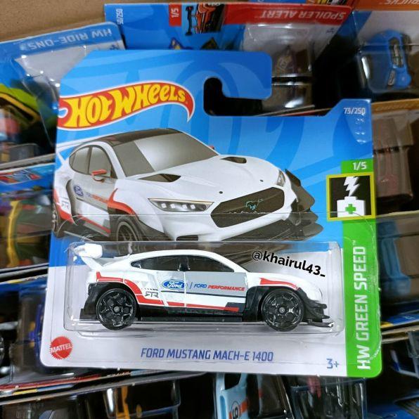 Hot-Wheels-Mainline-2022-Ford-Mustang-Mach-E-1400-001