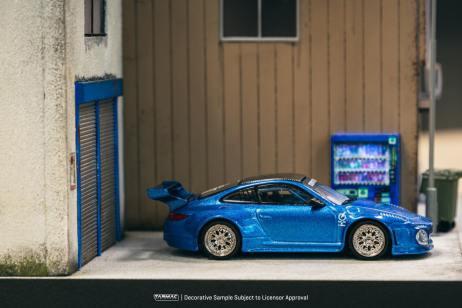 Tarmac-Works-Porsche-997-Old-and-New-Blue-Metallic-003