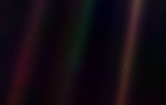 pale-blue-dot-wallpaper-1900x1200
