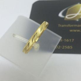 Par de Alianças de Casamento Ouro 18k Reta Polida Detalhada