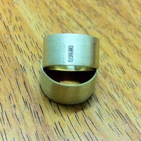 Par de Alianças Reta Fosca 10mm Brilhantes Ouro 18k