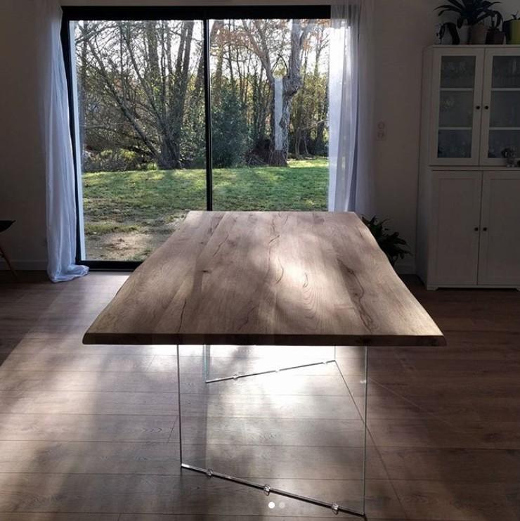 table plateau bois brut et pieds en