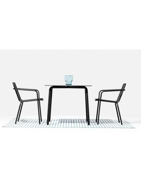 table carree design en acier anthracite 2 4 places starling