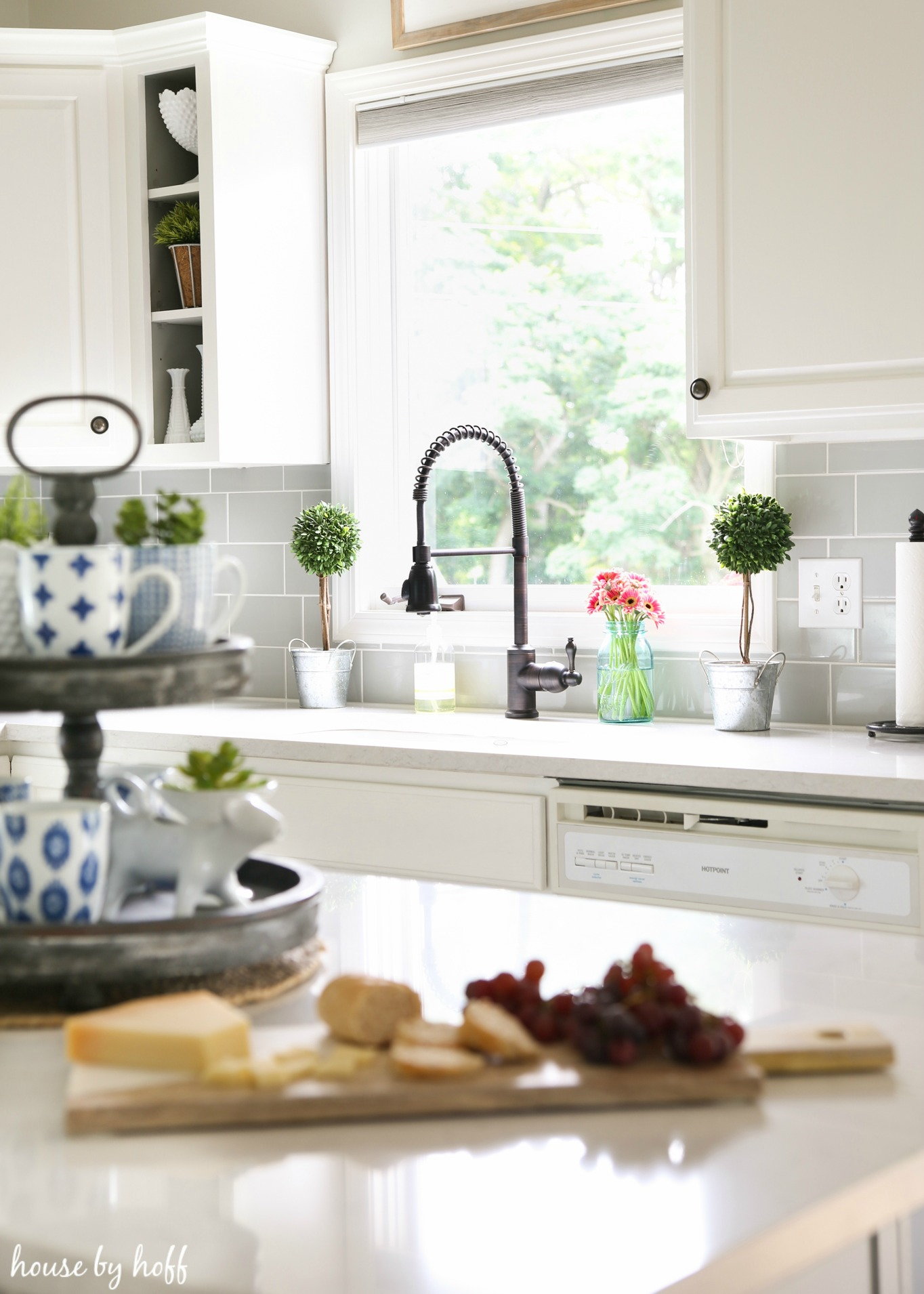 a modern farmhouse kitchen makeover