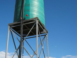 Water tank cleaning (surface) | HouseClap Handyman Services