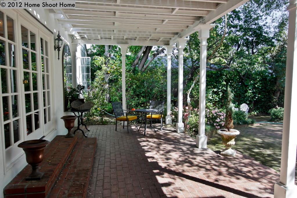 Pasadena Colonial