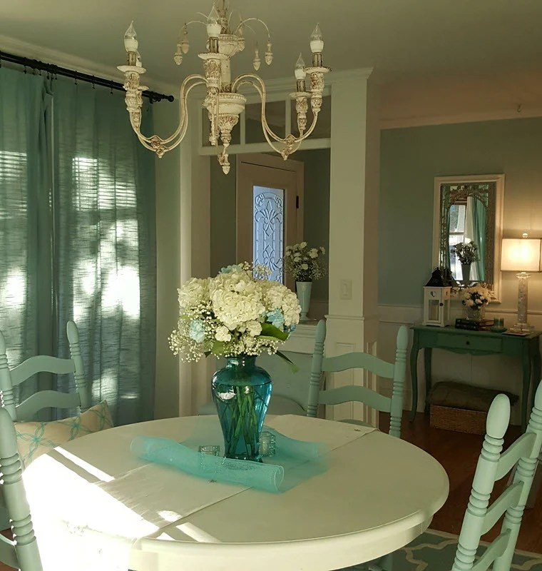 Table and chairs makeover in beautiful Robin's Egg blue and Cotton White - Housekaboodle.com