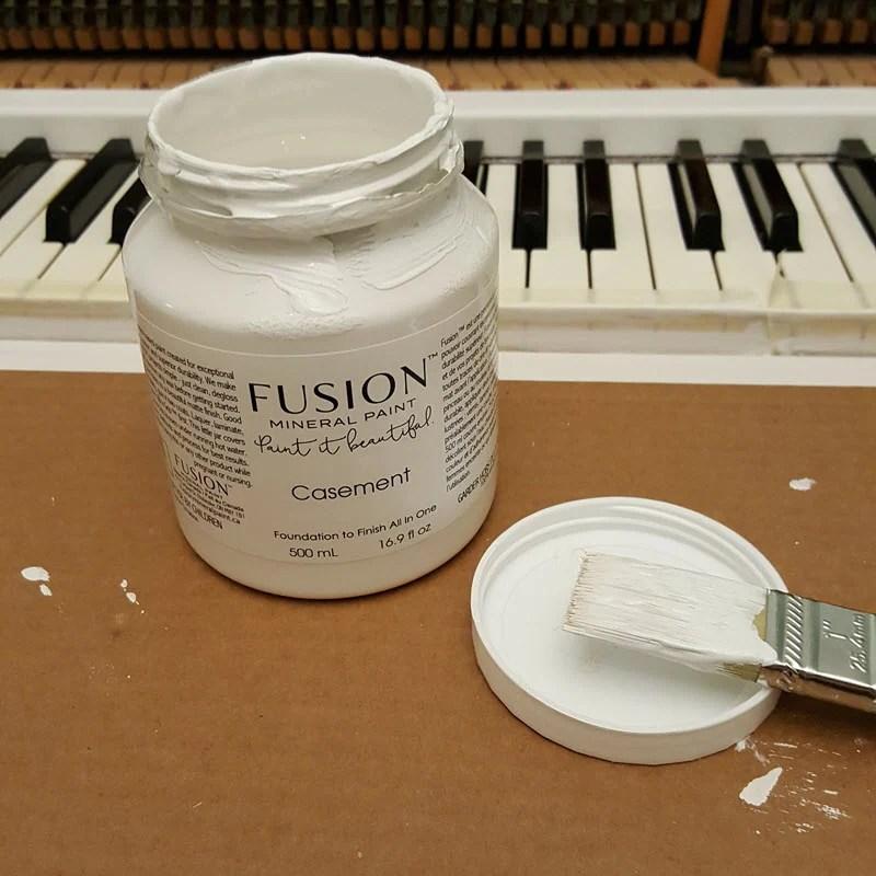 fusion-mineral-paint-casement-white