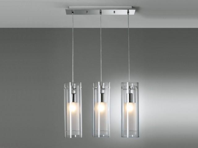Struttura in acciaio spesso cromato lucido. Lampade Moderne Per Scegliere La Giusta Illuminazione Del Soggiorno