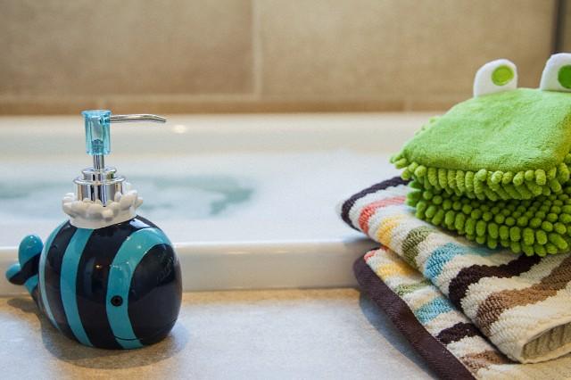 Come rendere il bagno divertente e originale