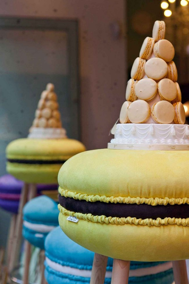makastool laduree milano design week sgabelli macaron 1 Copia
