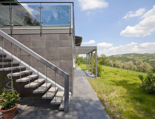Casa su progetto monofamiliare - Foto: Spazio Positivo