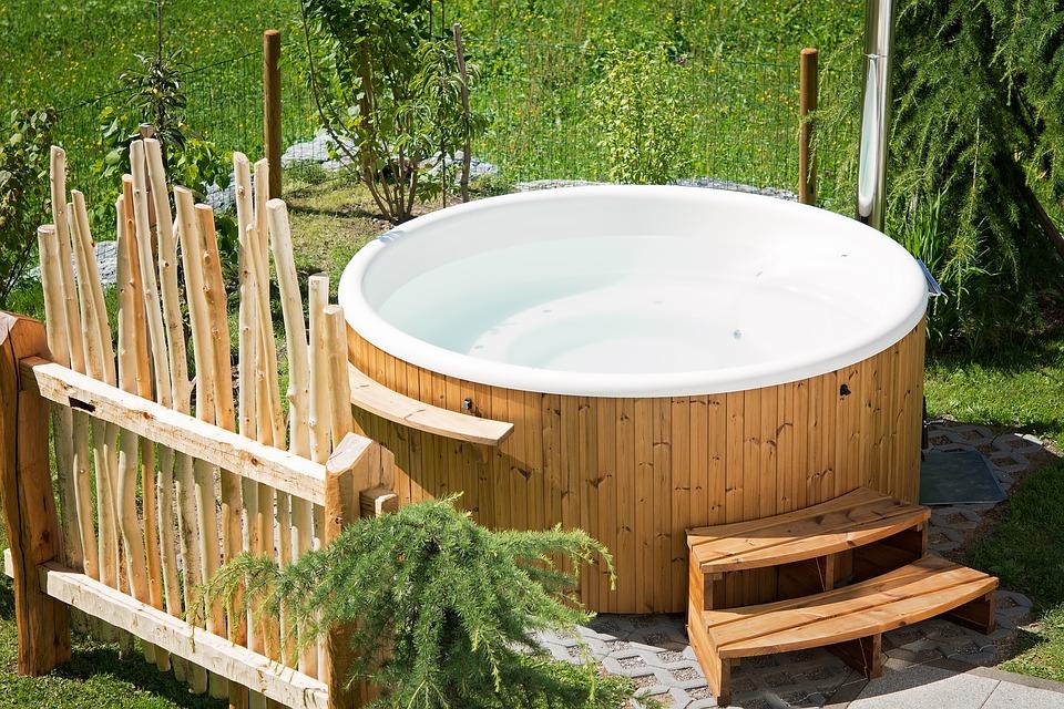 vasca idromassaggio per giardino