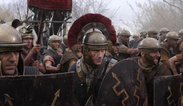 Roman helmet with transverse crest