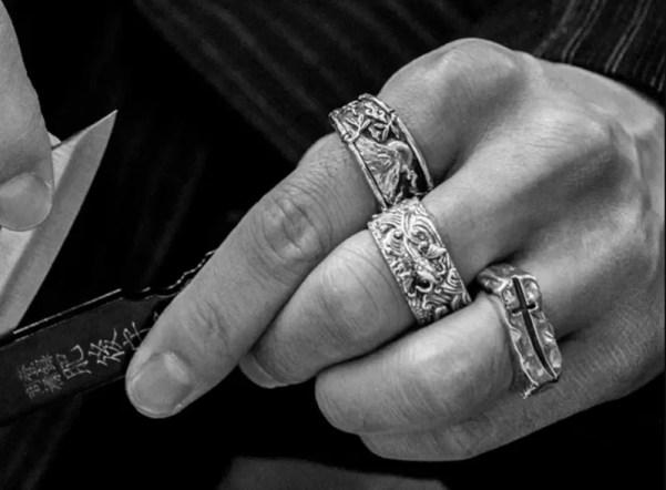 clocksandcolours silver koi ring