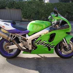Kawasaki Ninja ZX-7 – 1996