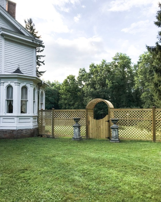 How to Build a Wooden Lattice Fence