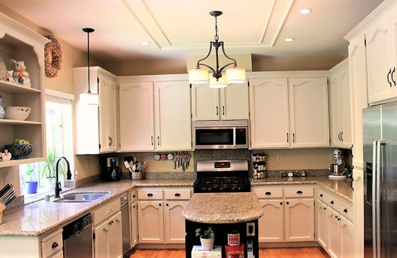 10 Painted Kitchen Cabinet Ideas