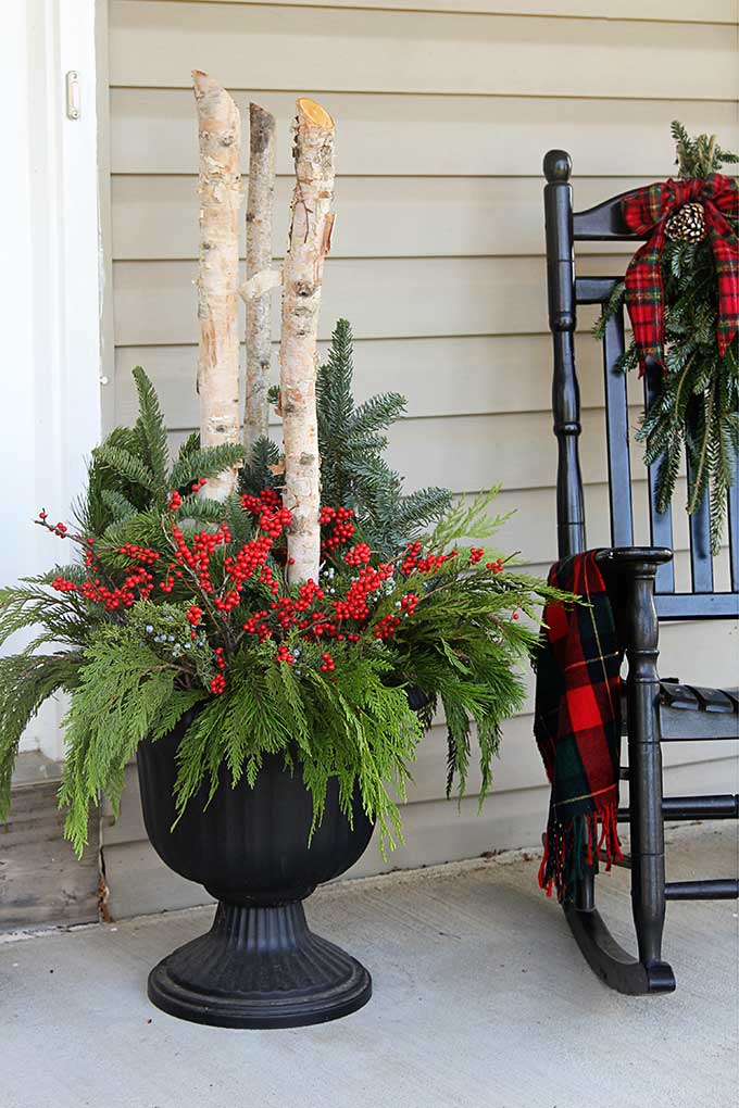 Diy Outdoor Christmas Planters For Your Holiday Porch Christmasdecor Porchdecor Containergardening