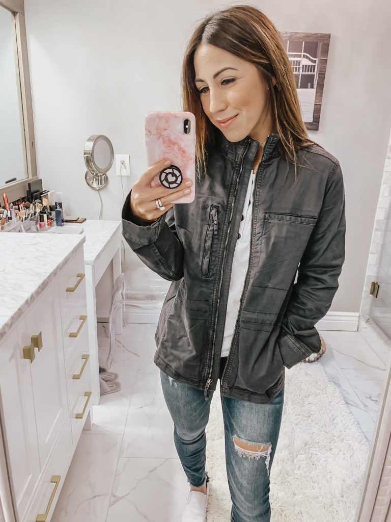 Amazon Haul by top US fashion blog, House of Leo Blog: image of a woman wearing a Daily Ritual cargo utility jacket