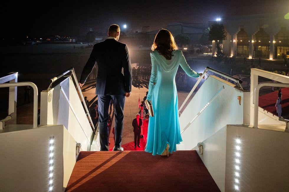 kate middleton, prince william, royal tour begins, royal couple