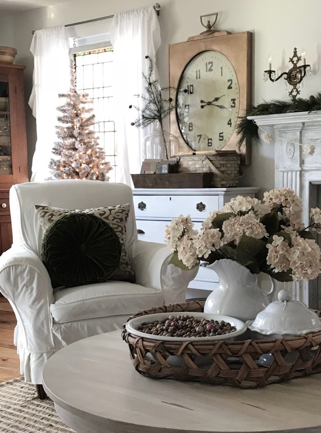 Family Room Simply Christmas decor - House on Winchester