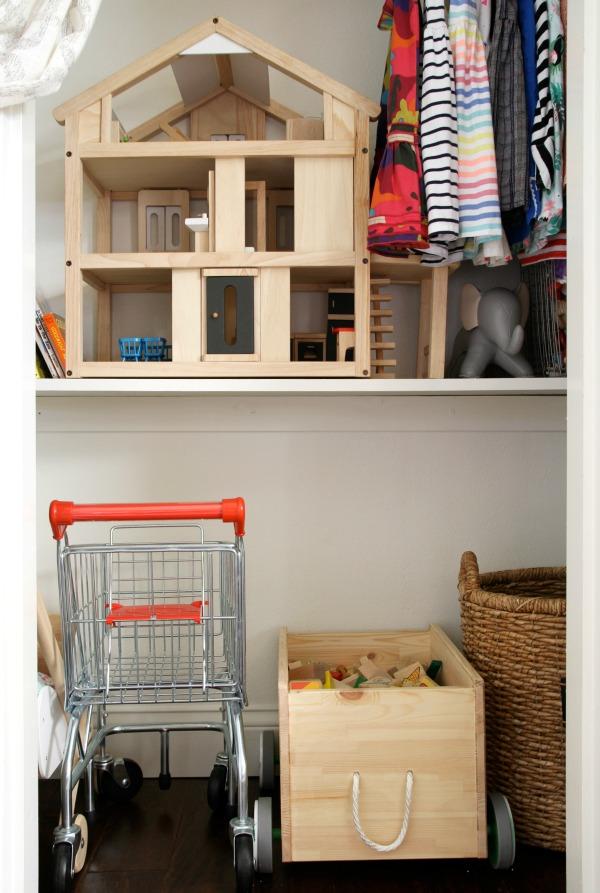 small-closet-3