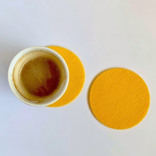 koffie smaakt veel lekkerder op zo'n vrolijke wasbare onderzetter