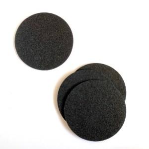 set ronde zwarte onderzetters gemaakt van wasbaar polyester vilt