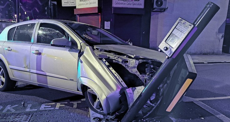 In photos: late night car crash and chase on Coldharbour Lane, Brixton, 31st July 2020