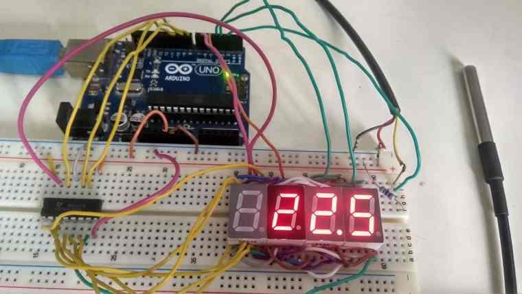 DS18B20 Based Thermometer using Arduino & 4 Digits 7 Segment Display
