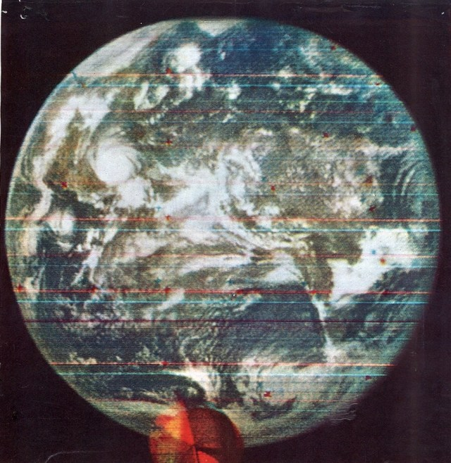 first color photograph of the Earth