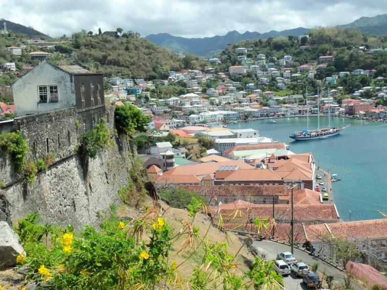 Smallest countries in the world Dominica harbor