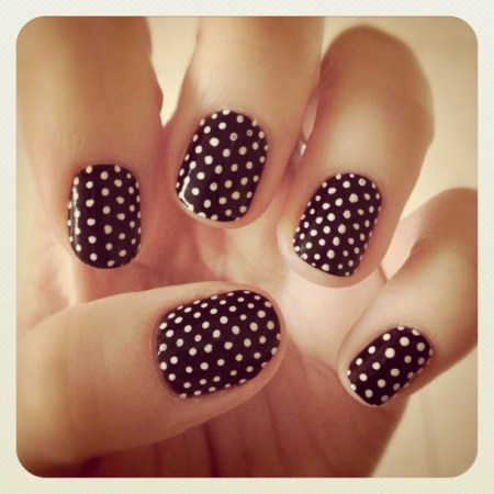 Polka Nail Art Black and white