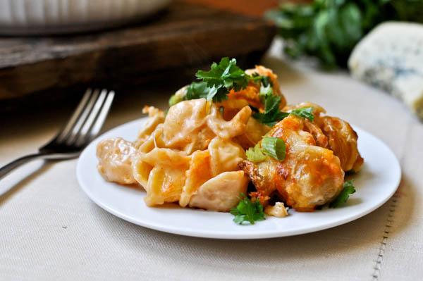 Baked Buffalo Chicken Pasta I howsweeteats.com