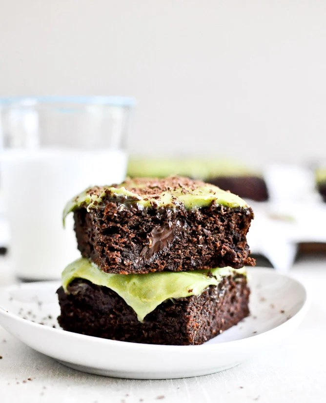 Fudgy Avocado Brownies I howsweeteats.com
