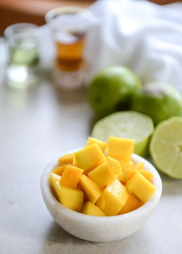 fresca mango margarita helada me howsweeteats.com