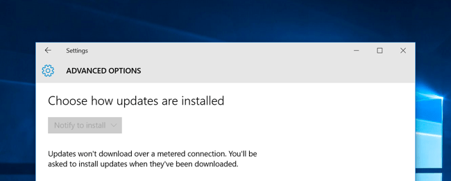 windows 10 automatically downloading updates