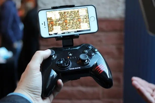 How To Use A Physical Game Controller With An IPhone IPad Or Android Device